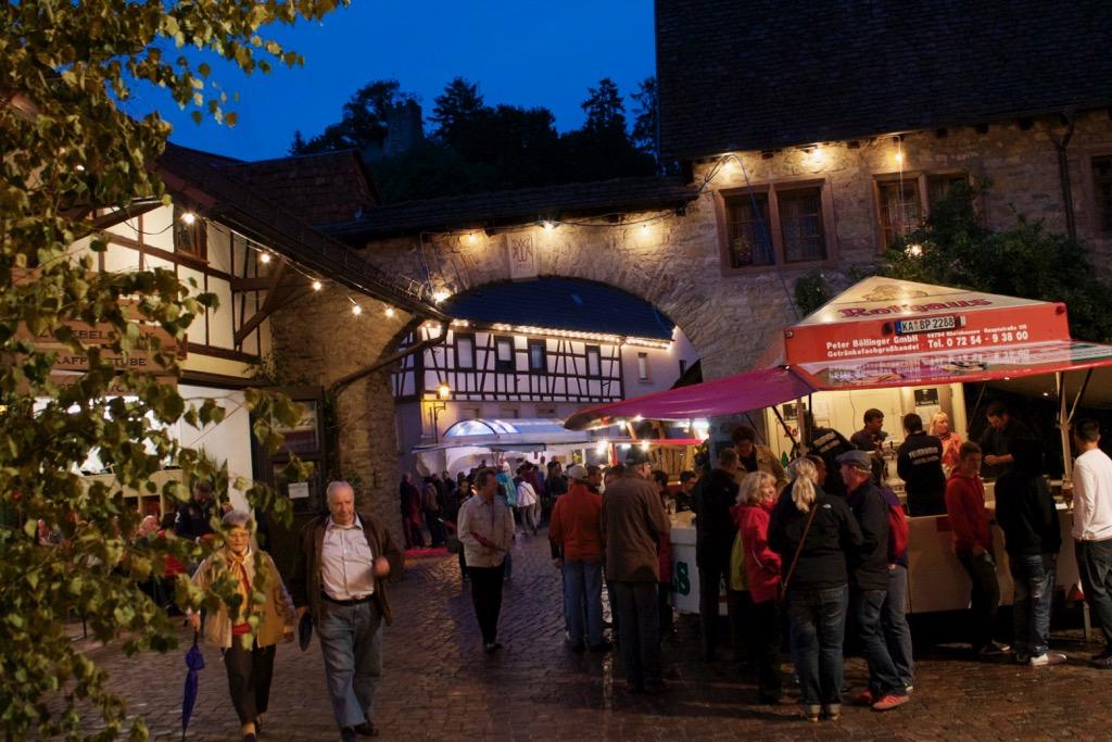Burgfest_Obergrombach_2012_2.jpg